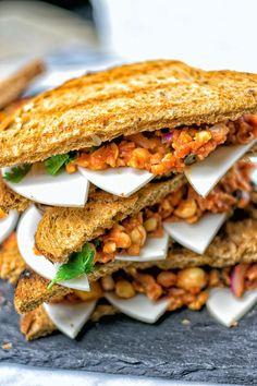 Cacciatore Chickpea Sandwich   #vegan #glutenfree #contentednesscooking #sandwich
