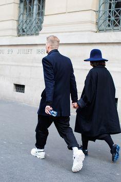 ラフシモンズのスニーカーを履きこなすY-3コレクション帰りのカップル | メンズファッションスナップ フリーク | 着こなしNo:91179