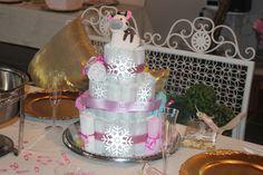 Snowflake+Diaper+Cake
