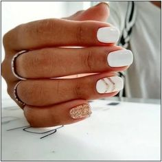 White Nail Art Designs, um den ganzen Winter lang zu rocken Brit + Co - Estella K. White Nail Art Designs, um den ganzen Winter lang zu rocken Brit + Co - de nail art Cute Acrylic Nails, Acrylic Nail Designs, Cute Nails, Cool Easy Nails, Winter Acrylic Nails, Shellac Nail Designs, Cute Nail Art Designs, Simple Nail Designs, Square Nail Designs
