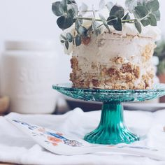 "How gorgeous is this cake? I love the teal glass cake stand. Perfection. ""Sunday cake. #onmytable #foodblogfeed"