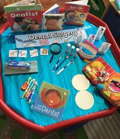 Dental Surgery Tuff Tray and Role Play! Great for the topic 'People Who Help Us' - explore the role Eyfs Activities, Nursery Activities, Preschool Activities, Preschool Plans, Emotions Activities, Tuff Tray Ideas Toddlers, Investigation Area, People Who Help Us, Tuff Spot