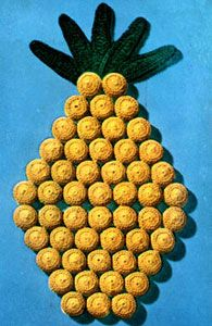 Pineapple Mat pattern from Coats & Clark's O., Book No. I cannot resist bottle-cap craft. Pineapple Art, Pineapple Crochet, Bottle Cap Projects, Bottle Cap Crafts, Potholder Patterns, Craft Patterns, Vintage Potholders, Crochet Hot Pads, Knitted Washcloths