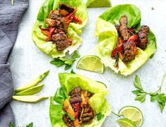 17 Keto Dinners Made in 30 Minutes or Less Chili Lime Steak Lettuce Wraps Steak Wraps, Steak Tacos, Macros Dieta, Steak Salat, Seared Salmon Recipes, Skirt Steak Recipes, Best Meal Prep, Diet Recipes, Steak Recipes