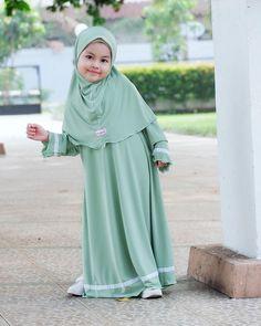 and baby hijab gamis anak assyabiya gamis anak assyabiya Baby Hijab, Girl Hijab, Dresses Kids Girl, Kids Outfits, Kids Abaya, Dress Anak, Simple Pakistani Dresses, Kids Dress Patterns, Baby Dress Design