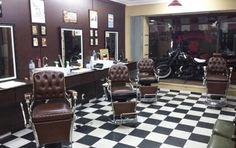 Barbearias resgatam charme vintage e oferecem serviços de R$ 12 a 1.550