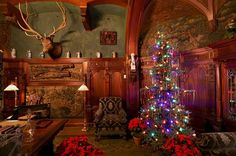 """""""Decked Out for the Holidays"""". Frederick W. Vanderbilt's, American Gilded Age Mansion. Located in Hyde Park. NY. ~ {cwlyons} ~ (Image: Apartment Therapy)"""