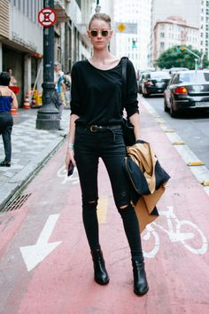 Minimal // Minimalist // Minimalista // Normcore // // Black and White // Moda // Fashion // Street Style // Rocker Normcore Fashion, Look Fashion, Urban Fashion, Teen Fashion, Fashion Outfits, Fashion Design, Fashion Trends, Normcore Style, Fashion Models