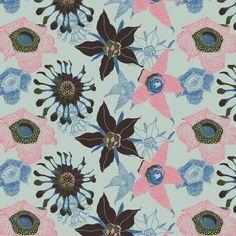 """Estampa criada a partir do briefing """"estranheza botânica"""". Uma das minhas estampas mais recentes (e preferidas também!). O que vocês acham? :) #estampaholic #estampas #portfolio #patriciacapella #patterns #prints #floral #flores"""