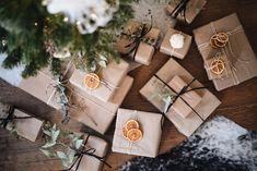 Natural Christmas, Christmas Makes, Christmas Mood, Christmas Crafts, Christmas Decorations, Xmas, Dried Orange Slices, Dried Oranges, Christmas Hamper
