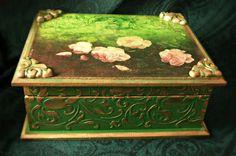 Vintage decoupage box green