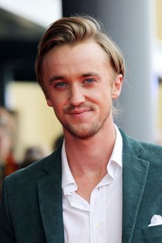 Tom Felton Photos - Tom Felton at the red carpet arrivals for the Grand Opening of the WB Studios the Making Of Harry Potter Tour, Warner Brothers Studios, Leavesdon, UK. - Rupert Grint at the Making of Harry Potter Tour Draco Malfoy, Draco And Hermione, Draco Harry Potter, Dramione, Drarry, Tom Felton Height, Berry Allen, Tom Feltom, Thomas Andrews