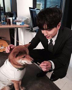 Leeteuk Super Junior ^^ ..멍뭉아 맘마 먹자..요깄다~~