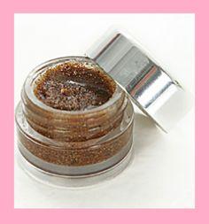 Small Pot for lip scrub