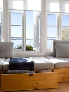 Living Room Windows, Living Room Sofa, Built In Sofa, Transforming Furniture, Window Benches, Cosy Corner, Diy Sofa, Banquette, Home Decor Wall Art