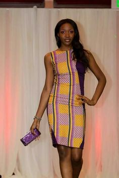 Gorgeous and completely elegant, adapt the top with ankara or kente African Inspired Fashion, African Print Fashion, Africa Fashion, Fashion Prints, African Attire, African Wear, African Women, African Style, African Beauty
