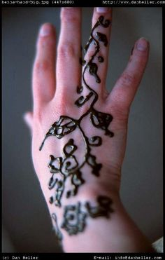 16 best henna images on pinterest hennas simple henna tattoo and rh pinterest com