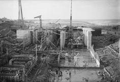 Harlingen - aanleg Tsjerk Hiddessluizen - januari 1950 - fotograaf Hartog