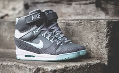 Nike WMNS Air Revolution Sky Hi (Canyon Grey/Teal Tint)