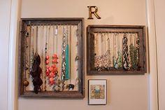 Organize necklaces