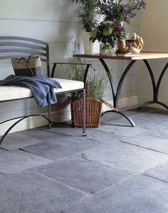 Dark Stone floor - Flagstone Floors Inside the Home. Stone Tile Flooring, Natural Stone Flooring, Slate Flooring, Flooring Options, Stone Tiles, Kitchen Flooring, Ceramic Flooring, Garage Flooring, Porch Flooring