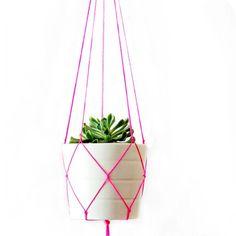 Lav et fint planteophæng til din bolig, altan eller have på ingen tid med vores nemme gør det selv-guide.