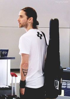 Jared Leto airport