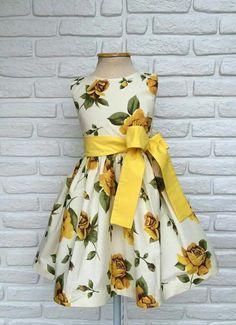 Dresses Kids Girl, Cute Dresses, Flower Girl Dresses, Fashion Mode, Kids Fashion, Toddler Outfits, Kids Outfits, Kids Frocks, Frock Design