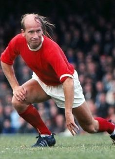Bobby Charlton Manchester United 1970. Somebody get him a razor!