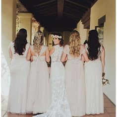 Is it just me, or is the symmetry of the hair in this photo weirdly satisfying? I'm sorry if its just me, guess I'm just a hair nerd!..To book your bridal beauty trial now, contact us through the link in our bio. We can't wait to help you become the radiant bride of your dreams!