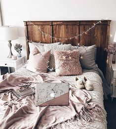 bedroom decor ideas for teens; Small and warm cozy bedroom ideas; Pink and grey bedroom;Minimalist home design. Room Makeover, Room, Home Decor Bedroom, Home, Home Bedroom, House Rooms, Room Inspiration, Bedroom Inspirations, Dream Rooms