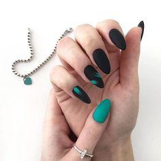 35 Simple Ideas for Wedding Nails Design - Diy Wedding Nails - Nageldesign Elegant Nail Designs, Black Nail Designs, Elegant Nails, Stylish Nails, Acrylic Nail Designs, Nail Art Designs, Acrylic Nails, Diy Wedding Nails, Wedding Nails Design