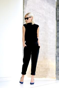 We The People // All black and a blue pumps chic style