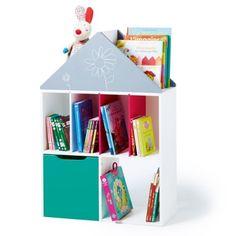 Cette étagère est un meuble de rangement d'une grande modularité. L'enfant l'utilise telle qu'elle est, ou bien il choisit d'ajouter deux séparateurs de couleur sur l'étagère supérieure, il les insère dans les fentes et crée ainsi deux nouveaux casiers. Il peut aussi glisser un ou deux petits coffres ou cubes magiques, vendus séparément, dans l'espace inférieur. Cette étagère est aussi une maison. L'enfant utilise les séparateurs de couleur pour créer des pièces de différentes tailles. Il…