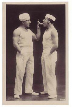 Top 100 romantic images gay, and movie watching porn Intimate Liesans - 2 Issue Adorable Vintage Photos of Gay Love Vintage Zeeman, Klassiek Keren.