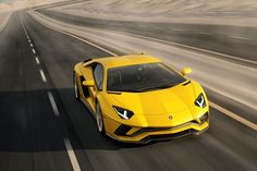 Italská automobilka pro rok 2017 představila novou verzi Aventadoru pojmenovanou Lamborghini Aventador S. Ta nám přináší ostřejší rysy, lepší výkon a jako hlavní novinku i možnost řízení zadní nápravy!