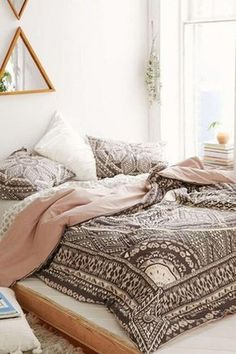 Simple Minimalist And Cozy Bedroom Decor Ideas