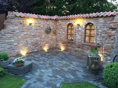 30 DIY Lighting Ideas at Night Yard Landscape with Outdoor Lights – Dream Backyard – Modern Backyard Backyard Fences, Front Yard Landscaping, Pergola Patio, Backyard Ideas, Landscape Design, Garden Design, Walled Garden, Exterior, Small Gardens