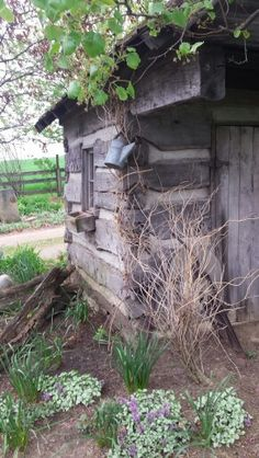 Old Cabins, Cabins And Cottages, Small Cabins, Garden Sheds, Garden Gates, Farm Gardens, Cottage Gardens, Little Log Cabin, Log Projects