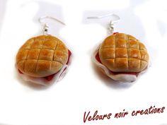 orecchini panino rosetta con prosciutto crudo ,creati a mano in fimo