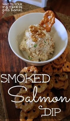Super easy and addictive smoked salmon dip - perfect for the holiday party season! Smoked salmon is one of my very favorite things! Fish Recipes, Seafood Recipes, Great Recipes, Cooking Recipes, Favorite Recipes, Appetizers For Party, Appetizer Recipes, Appetizer Ideas, Christmas Appetizers
