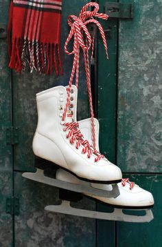 Christmas ☃ Winter White Skate with Candy Cane Shoe Strings. I Love Winter, Winter Fun, Winter Christmas, Christmas Time, Vintage Christmas, Winter Season, Winter Colors, Christmas Countdown, Country Christmas