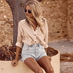 27 Preppy Street Style Looks Trending Today – Fashion New Trends Ny Fashion Week, Fashion Moda, Womens Fashion, Casual Outfits, Cute Outfits, Fashion Outfits, Stylish Summer Outfits, Casual Shirt, Spring Summer Fashion