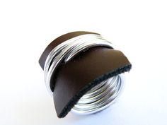 Wire Wrap Ring Brown Recycled Leather Ring by SteamyLab on Etsy, Charm Jewelry, Diy Jewelry, Jewelry Rings, Handmade Jewelry, Jewelry Making, Jewelery, Leather Ring, Leather Jewelry, Aluminum Wire Jewelry