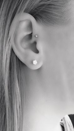 Forward helix piercing