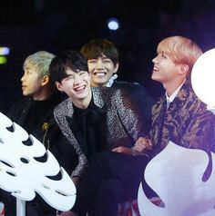 look at that precious smiling yoongi, may he smile like that everyday