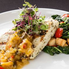 pescado del dia | hawaiian ono, vegetable medley, peach chutney