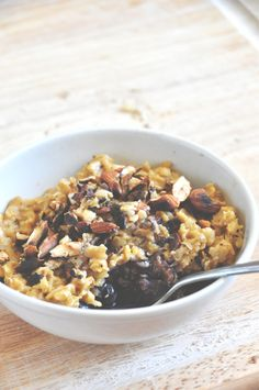 Creamy Pumpkin Oats with Blueberries and Toasted Almonds