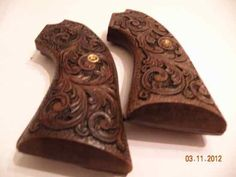 ruger blackhawk carved grips - Google SearchLoading that magazine is a pain! Get your Magazine speedloader today! http://www.amazon.com/shops/raeind