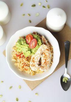 Bol complet poulet guacamole et riz provençal